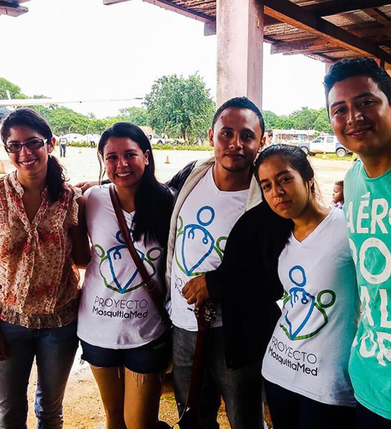 MosquitiaMed funciona gracias a una red de voluntarios y brigadas médicas.