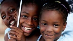 A universalização da educação primária é um dos Objectivos do Milénio das Nações Unidas