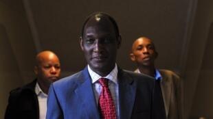 Depuis le début de l'année, les services de renseignement rwandais et congolais accusent Kayumba Nyamwasa, ancien chef d'état-major du Rwanda et opposant en exil en Afrique du Sud, de chercher à déstabiliser le pays depuis la RDC.