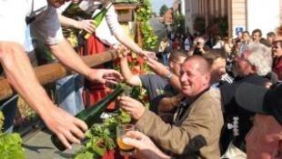 42ª Festa do Vinho Novo em Wuenheim, leste da França