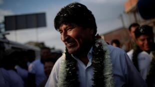 Le président sortant de Bolivie Evo Morales avant d'aller voter, dans la région de Chapare, le 20 octobre 2019.