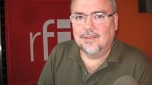 El escritor Adolfo Guidali.