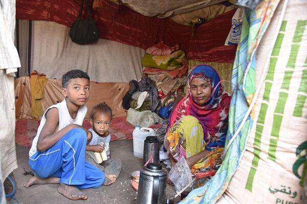 """Displaced family from Taizs to Sanaa in Al Habbari informal settlement: """"Now we have nothing left"""""""