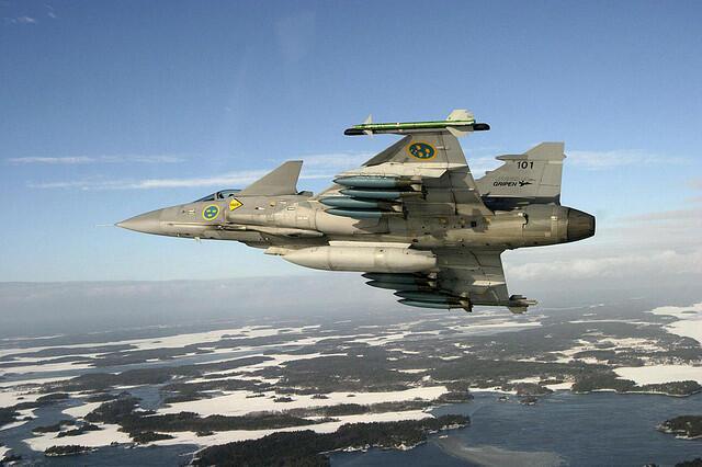 El avión sueco Gripen elegido por Brasil para renovar su flote aérea de combate.