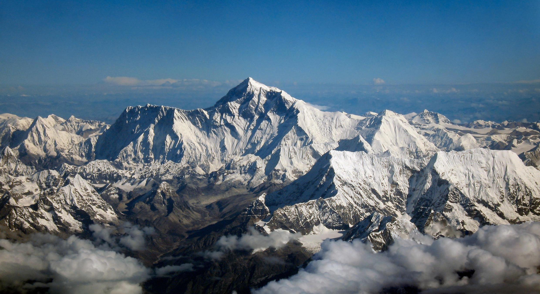 Une vue de l'Everest, le plus haut sommet du monde.