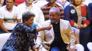 L'ex-président Lula da Silva est venu apporter son soutien à l'actuelle présidente et candidate à sa réelection Dilma Rousseff, le 15 septembre 2014, à Rio de Janeiro.