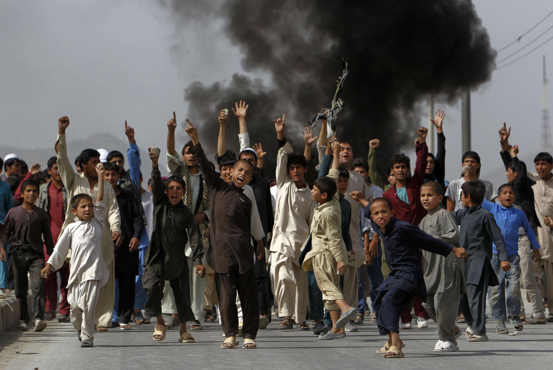 Protesto em Cabul, no Afeganistão, contra o filma que satiriza o profeta Maomé realizado nos Estados Unidos