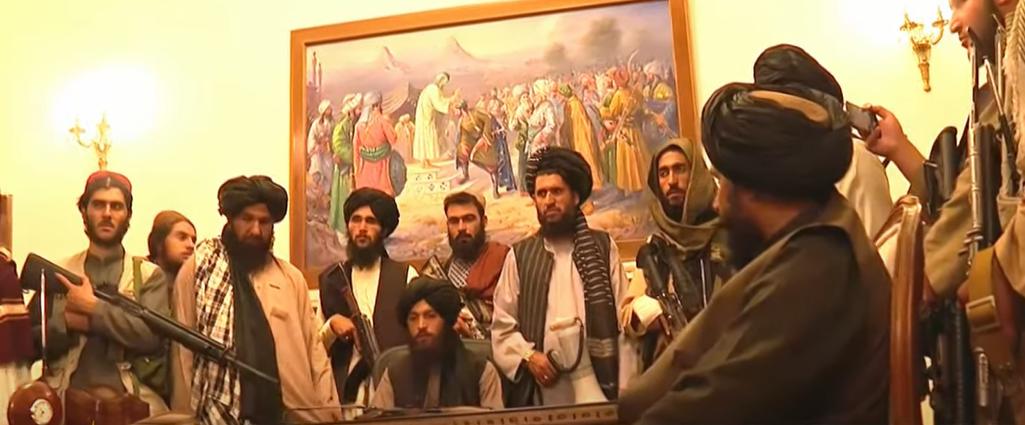 塔利班分子佔領阿富汗總統府