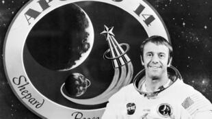 Alan Shepard, premier Américain dans l'espace, premier homme à jouer au golf sur la Lune.