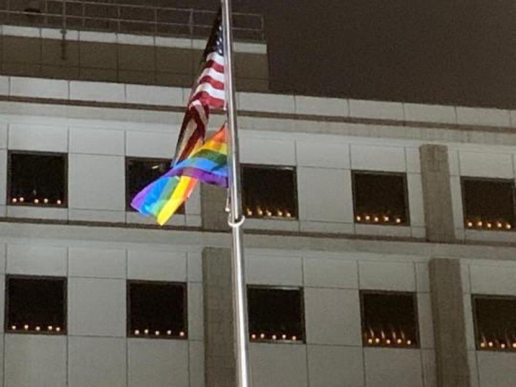 6月4日美國駐港總領事館點起燭光悼六四