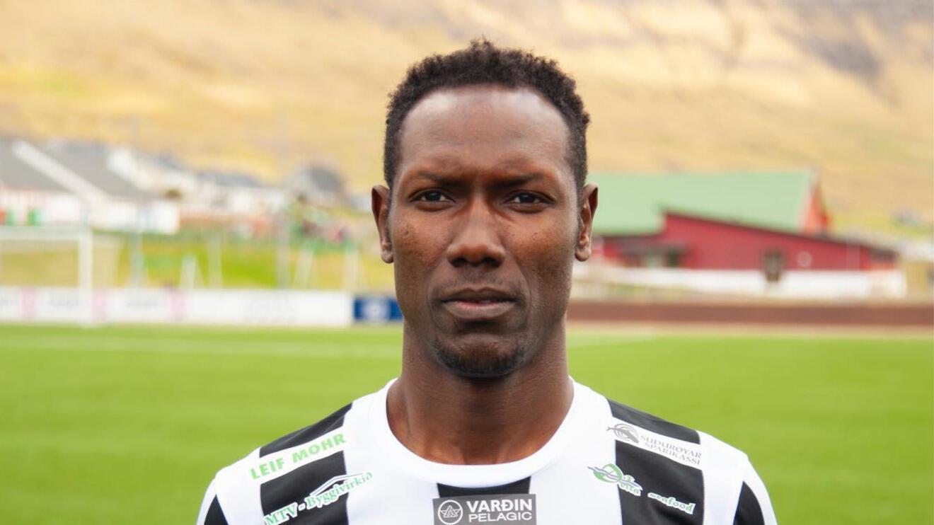 Le Sénégalais Adama Gueye, sous les couleurs du Tvøroyrar Bóltfelag.