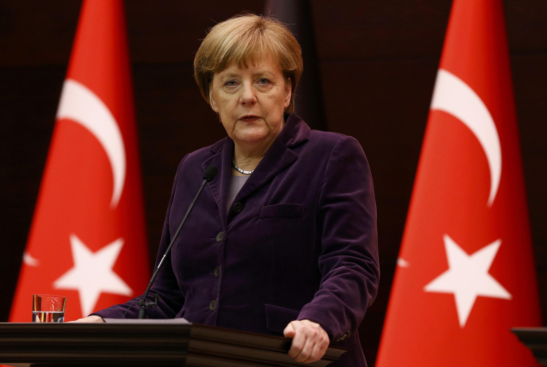 Находясь с визитом в Турции, Ангела Меркель заявила, что «шокирована» теми страданиями, которые нанесли жителям Алеппо российские бомбардировки, 8 января 2016.