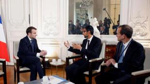 """Tổng thống Macron (T) tiếp lãnh đạo Google (G) tại lâu đài Versailles trong khuôn khổ chiến dịch """"Choose France"""" ngày 22/01/2018."""