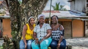 Maritza, Gloria et Mery, les trois coordinatrices du réseau « Mariposas de Alas Nuevas Construyendo Futuro » (Papillons) : le HCR (Haut Commissariat pour les réfugiés) lui a attribué le Prix Nansen 2014 pour sa lutte contre les violences faites aux femmes