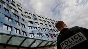 Polícia conseguiu deter os suspeitos rapidamente com a ajuda das câmeras de vigilância.