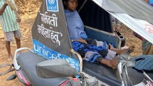 Chhattisgarh_pregnant woman being taken in a motorcycle ambulance from a remote village