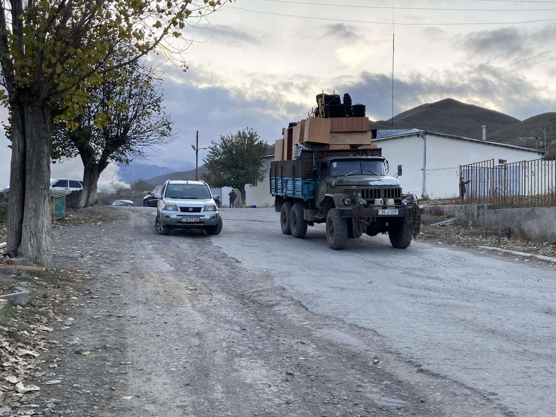 Армяне покидают город Кельбаджар. 13 ноября 2020 г.