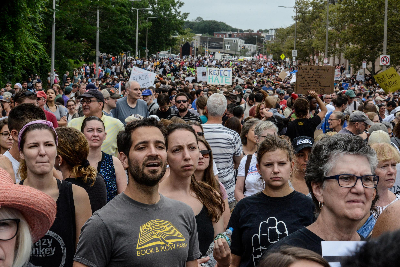Десятки тысяч чевловек в Бостоне вышли на акцию против альт-правых, 19 августа 2017 г.