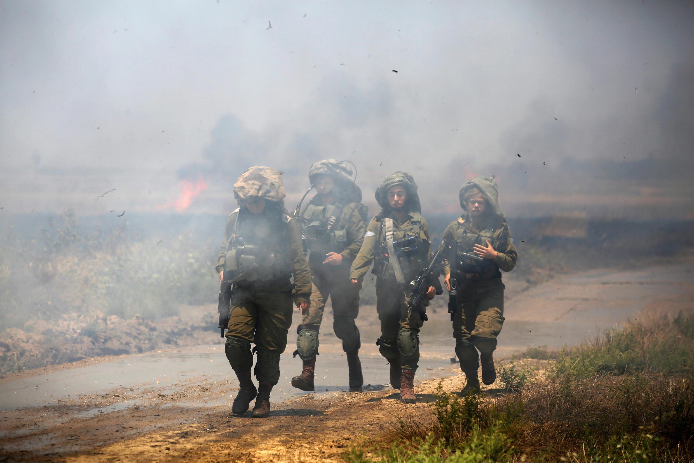 Binh lính Israel đi tuần gần biên giới với Gaza, ngày 14/05/2018.