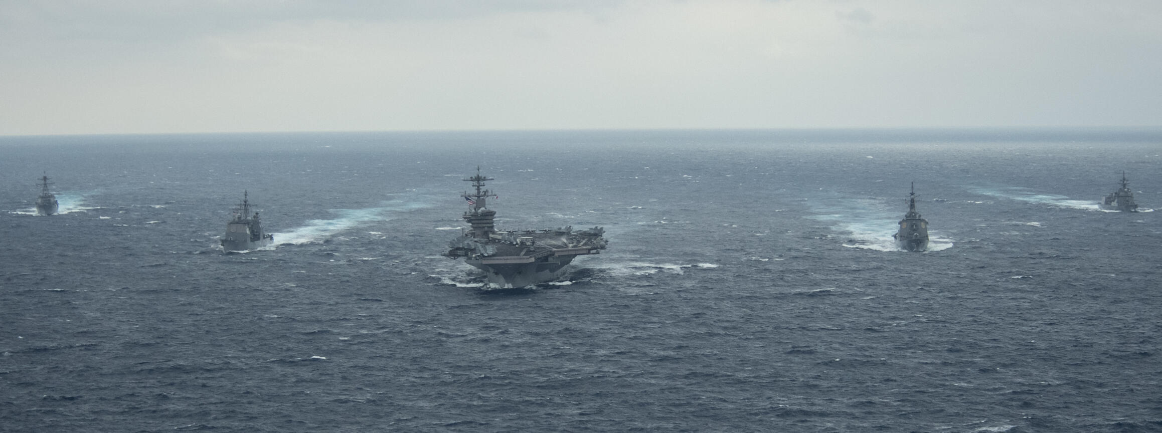 Etats Unis - Porte avions USS THEODORE ROOSEVELT