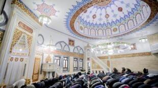 Les prières de vendredi à la mosquée Mevlana, à Berlin, le 23 novembre 2018 (photo d'illustration).