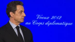 «Une intervention militaire ne règlerait pas le problème, mais elle déchaînerait la guerre et le chaos au Moyen-Orient», a déclaré le président Sarkozy vendredi 20 janvier lors de ses voeux au corps diplomatique.