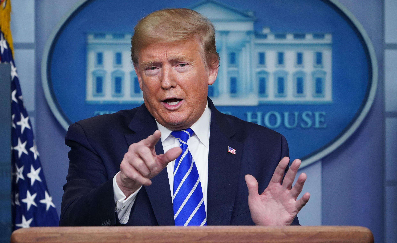 Donald Trump habla durante la rueda de prensa diaria sobre la crisis del coronavirus, el 23 de abril de 2020 en la Casa Blanca, en Washington