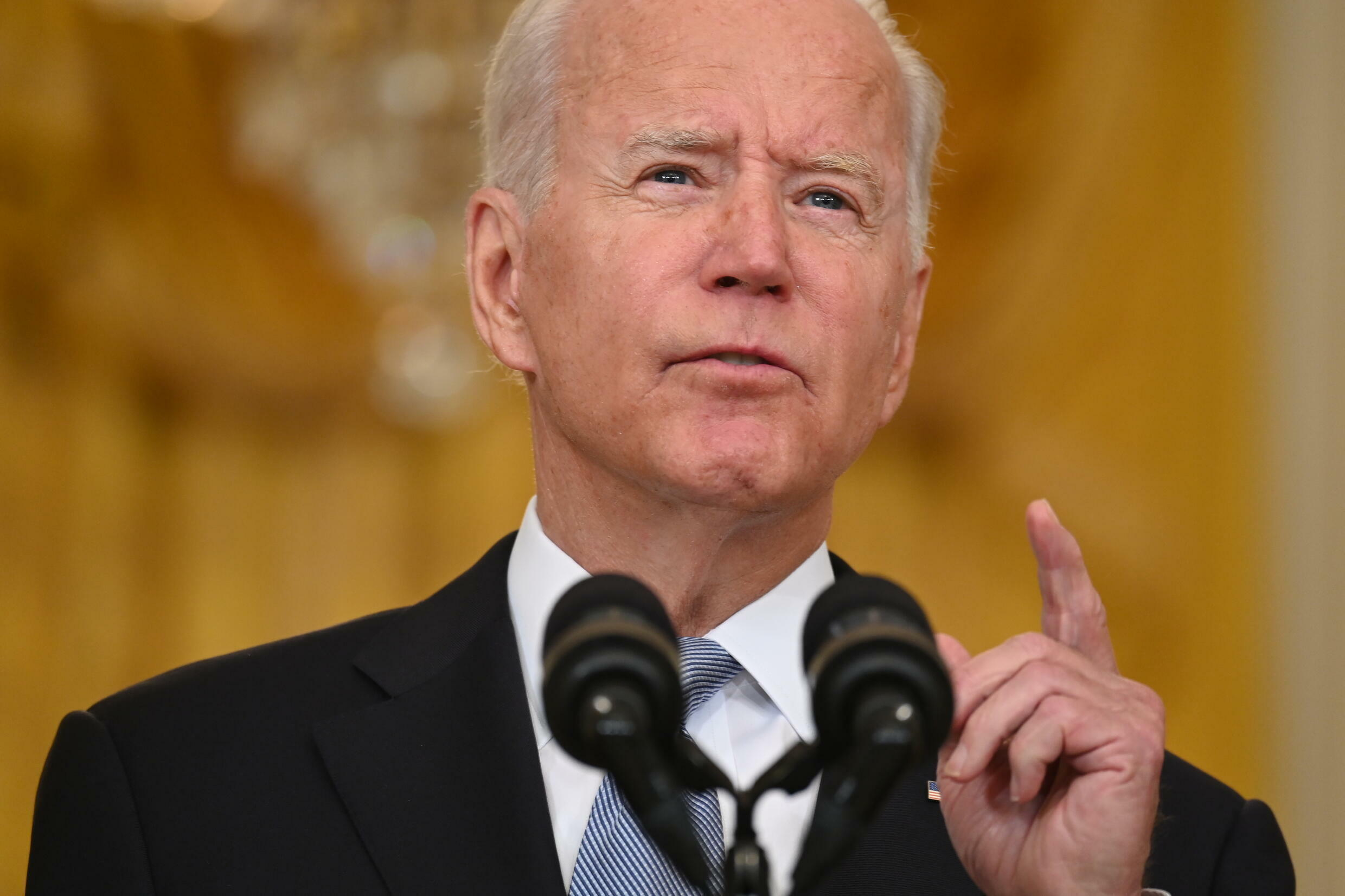 US President Joe Biden says he takes responsibility for the Afghanistan debacle but blames the country's former Western-backed leaders