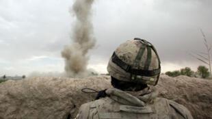 Un militaire canadien de l'Otan lors d'un tir d'exercice, le 19 mars 2009.