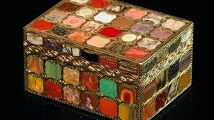 Una de las tabaqueras de Neuber presentada en la Galería Kugel de París.