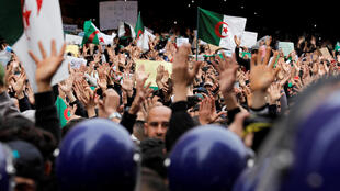 Đông đảo người dân biểu tình tại thủ đô Alger ngày 08/03/2019.