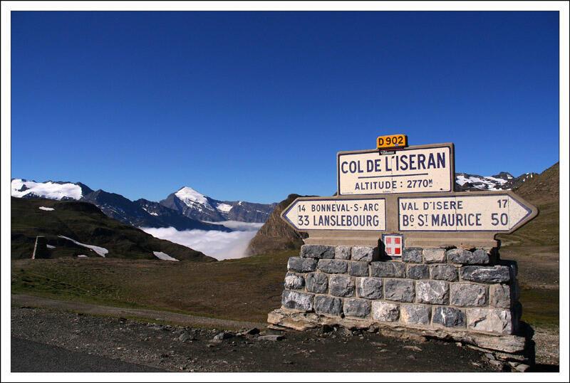 За всю историю Тур ду Франс на перевал Изеран гонщики восходили лишь 8 раз
