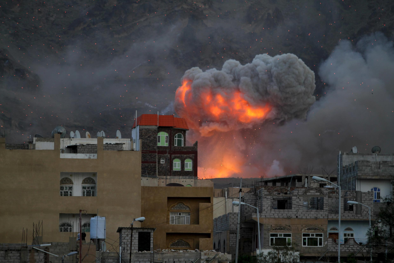 Bombardement de la coalition sur Sanaa.
