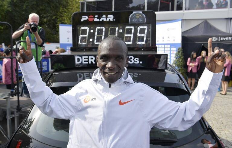 Eliud Kipchoge a battu le record du monde du marathon à Berlin en 2h 01mn 39s, le 16 septembre 2018.