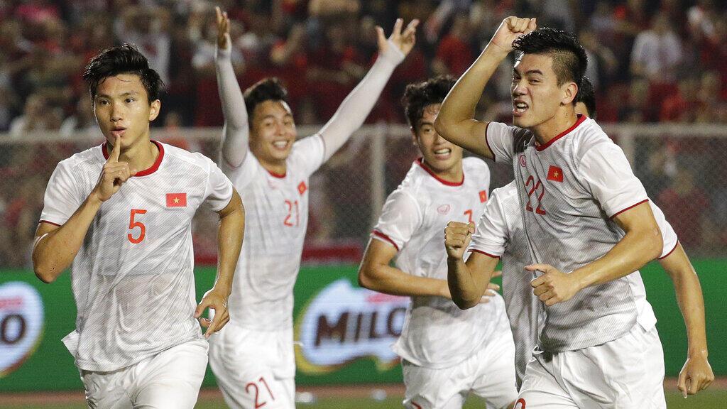 V-League, 20 mùa giải định hình bóng đá chuyên nghiệp Việt Nam