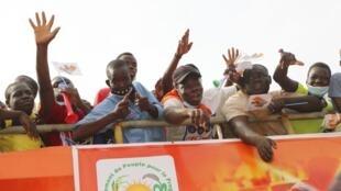Des partisans du président sortant Roch Kabore à Bobo Dioulasso. Le 18 novembre 2020.