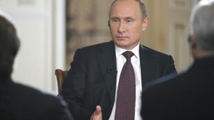 Au cours d'une interview, Vladimir Poutine a dit qu'il pourrait approuver une intervention militaire en Syrie si des preuves étaient apportées evant l'ONU. Le 3 septembre 2013.
