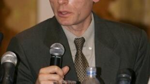 Tom Malinowski, représentant à Washington  d'Human Rights Watch, a présenté le rapport sur les droits de l'homme en Libye à Tripoli le 12 décembre 2009.