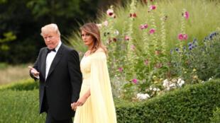 12日,特朗普与夫人访问英国。