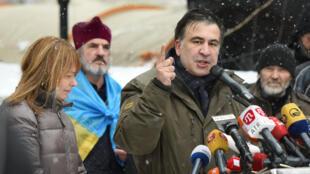 Экс-президент Грузии и лидер партии  «Рух новых сил» Михаил Саакашвили на митинге против президента Порошенко. 6 декабря 2017