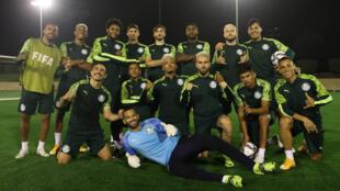 Os jogadores do Palmeiras, durante treinamento, na cidade de Doha, Catar.