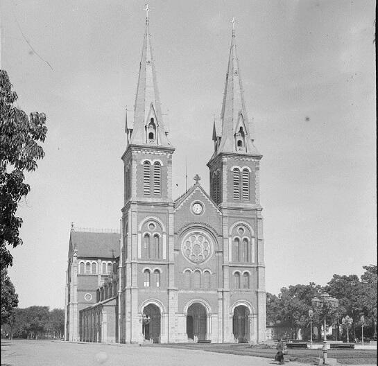 Nhà thờ Đức Bà Sài Gòn, ảnh chụp năm 1895.