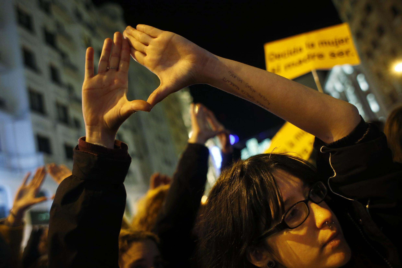 A Madrid, le 20 décembre. Pour beaucoup, l'Espagne vient de faire un bond de trente ans en arrière.