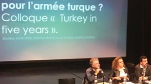 Tribune du colloque «Quelles perspectives pour l'armée turque ?».