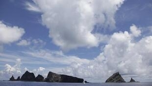 O Japão exige que a China remova seus navios das ilhas de Senkaku.