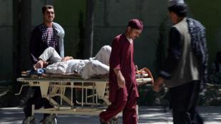 Entre janvier et juin 2015, les combats entre l'armée et les talibans ont fait près de 5000 victimes, morts et blessés confondus, selon l'ONU.