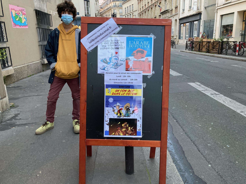 """O livro """"L'Arabe du Futur 5"""" é destaque e o mais vendido de todas as livrarias neste segundo lockdown na França."""