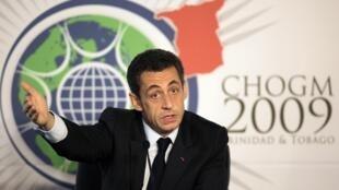 Nicolas Sarkozy lors d'une conférence de presse au sommet du Commonwealth à Port-of-Spain, le 27 novembre 2009.