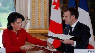 Президенты Франции и Грузии Эмманюэль Макрон и Саломе Зурабишвили подписали декларацию о сотрудничестве имени Дмитрия Амилахвари