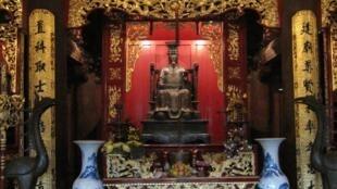 Tượng thờ Chu Văn An trong Văn Miếu - Quốc Tử Giám Hà Nội